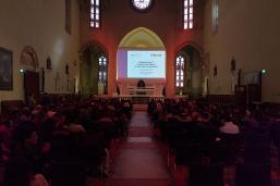 Gli studenti nella chiesa di San Francesco